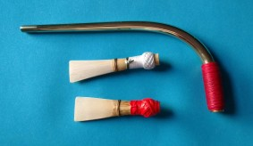 Tenor Curtal crook and two reeds